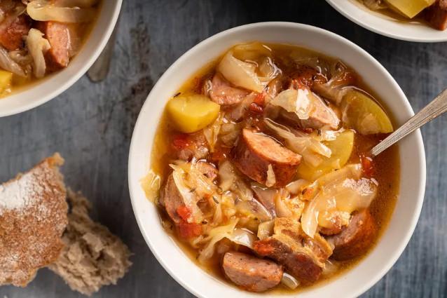 Kaboski (Kielbasa) Sausage Recipe, a Warm Polish Cabbage and Sausage Soup for Dinner