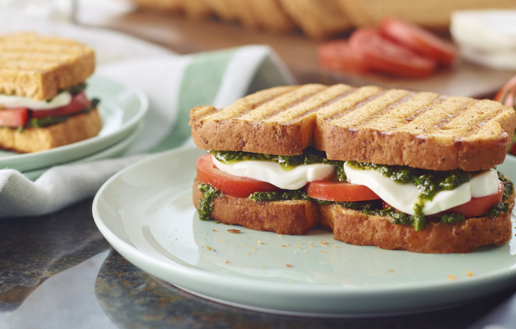 Modern Caprese Sandwich Panera as the Healthier, Quick-to-Prepare 'Fast-food' for Breakfast